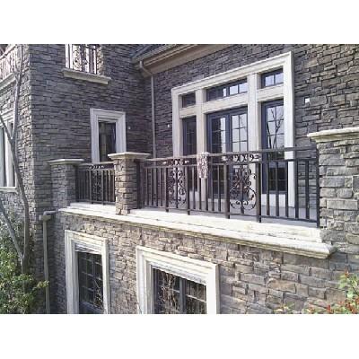 阳台护栏厂家:预防不锈钢护栏腐蚀的方法