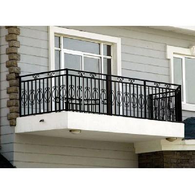 阳台护栏厂家:小区护栏网的防腐措施